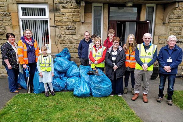 Picture outside with collected litter